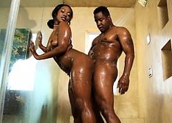 Negro Salt at hand a catch Shower